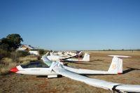 Segelflugparkplatz - keine 100m von den Farmgebaueden entfernt