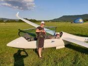 Dani Krohmer und Uli Haefner freuen sich ueber einen tollen Flug
