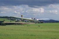 Landeanflug - im Hintergrund die Ortschaft Wershofen