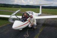 Letzte Instruktionen vor dem Start durch Fluglehrer Uli