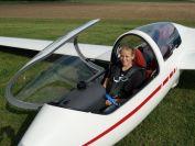 Rosa vor dem Start zum ersten Alleinflug
