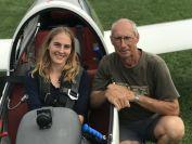 Vanessa mit Fluglehrer Uli vor dem Start